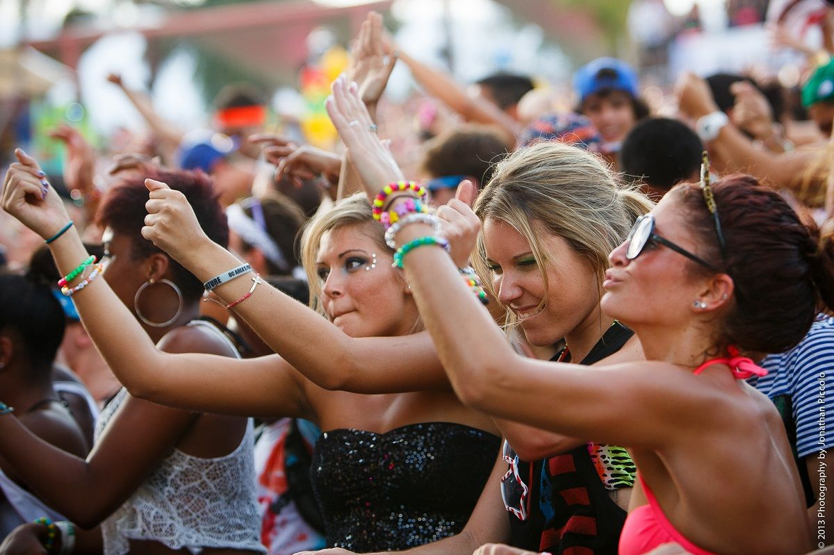12 Types Of Girls You Meet At Concerts